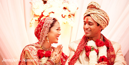 Sneak peek photo of an Indian wedding at the Omni Mandalay Hotel in Dallas by Austin wedding photographer Tony Ku