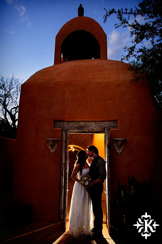 A wedding at Trois Estate at Enchanted Rock photographed by Tony Ku