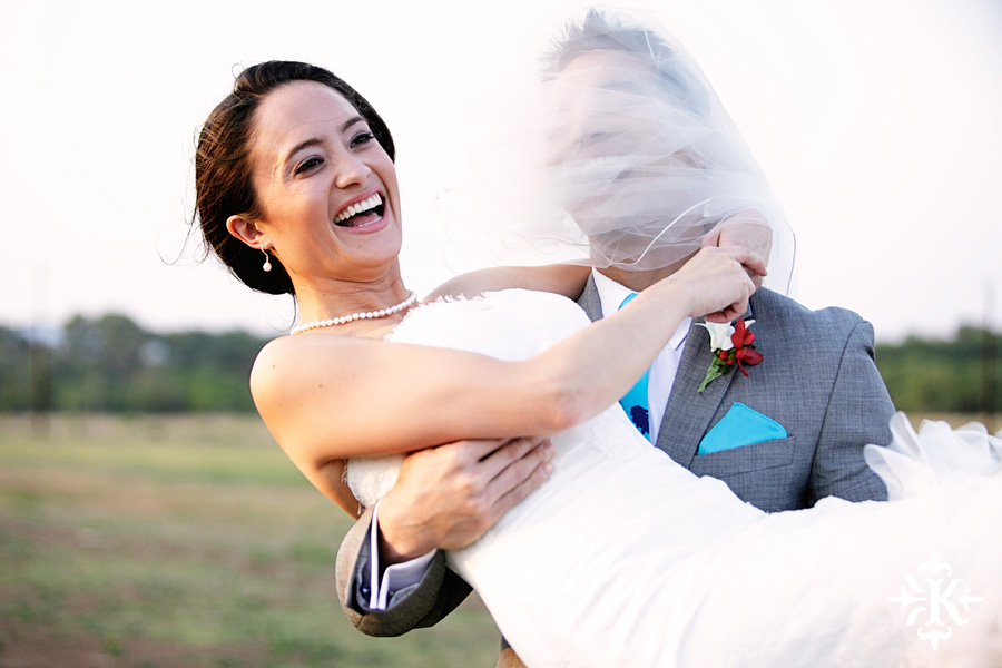 Photographer Tony Ku captures moments at a wedding in Wild Onion Ranch in Austin, Texas. (29)