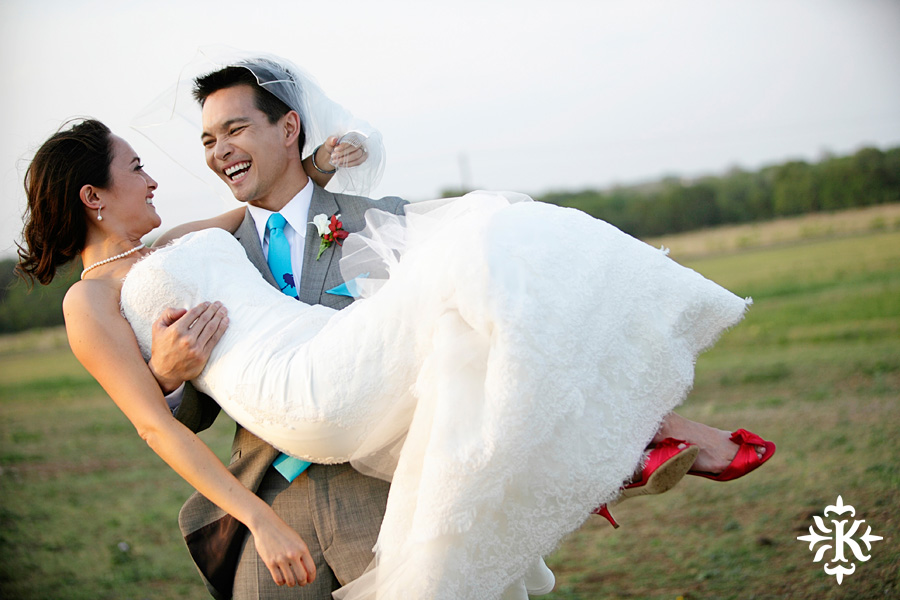 Photographer Tony Ku captures moments at a wedding in Wild Onion Ranch in Austin, Texas. (28)