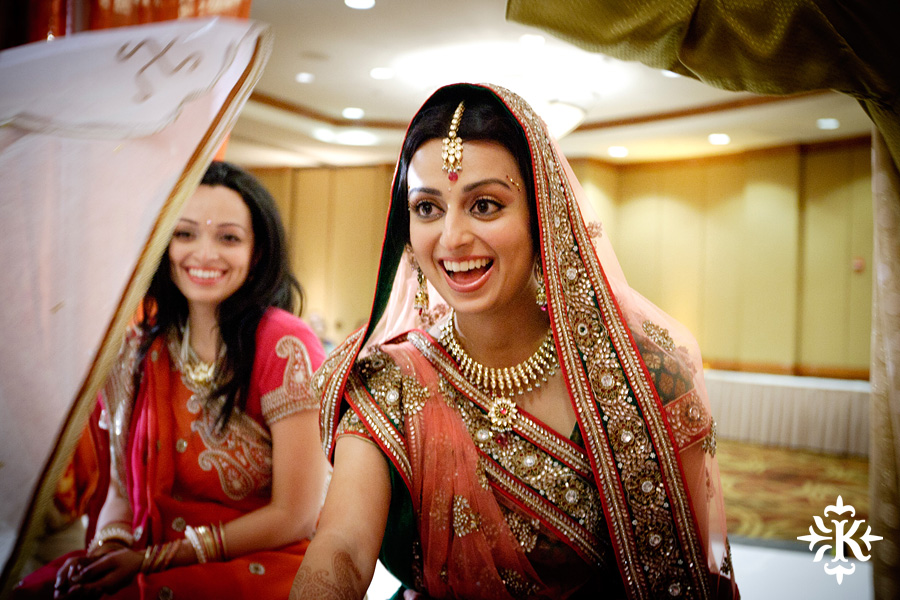 Indian Wedding photography taken by Austin wedding photographer Tony Ku at the Hilton Hotel at the Airport (54)