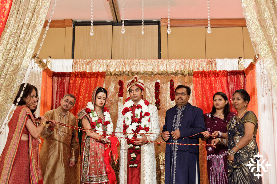Indian Wedding photography taken by Austin wedding photographer Tony Ku at the Hilton Hotel at the Airport (64)
