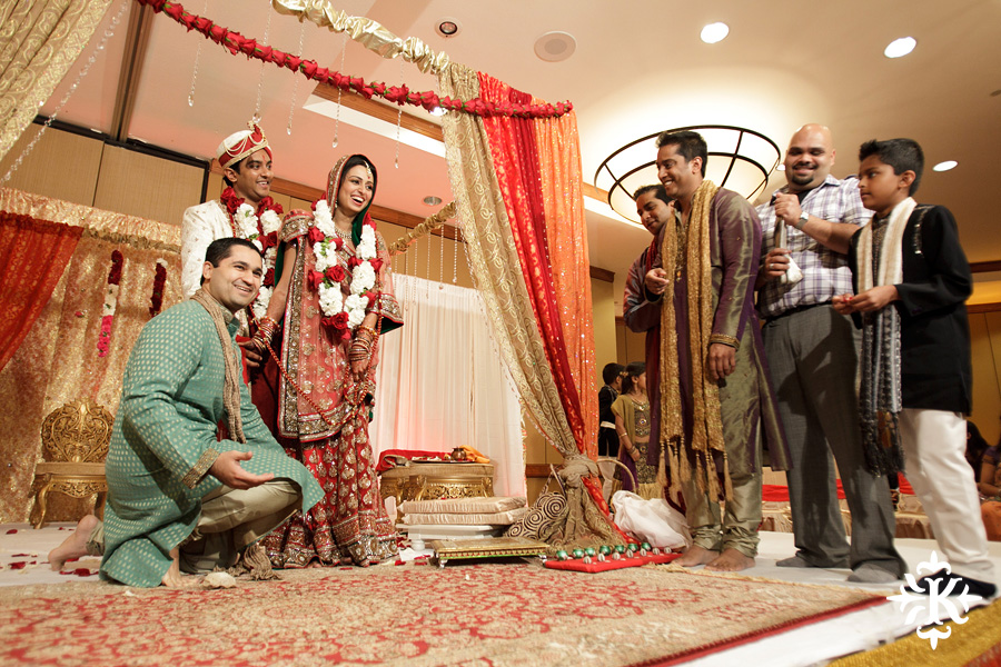 Indian Wedding photography taken by Austin wedding photographer Tony Ku at the Hilton Hotel at the Airport (68)