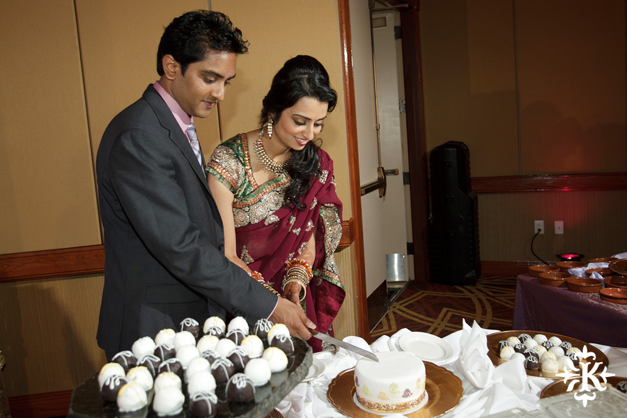 photographed by austin wedding photographer Tony Ku: an Indian wedding at the Austin's airport Hilton Hotel (38)