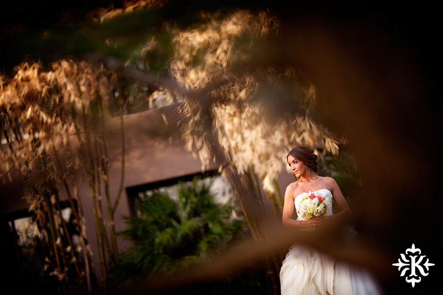Tony Ku photographs an Austin bridal photography with Vera Wang dress at the Four Seasons (3)