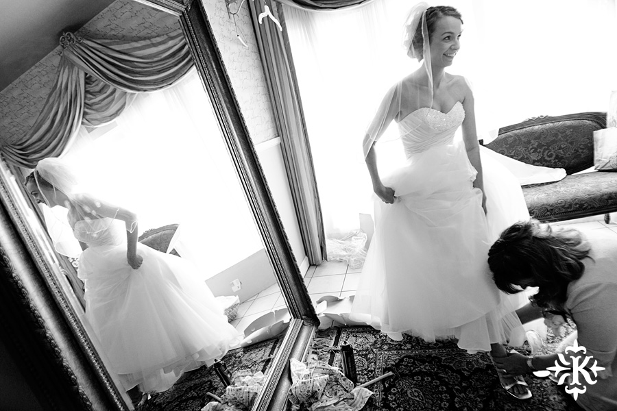 A fun wedding at Vintage Villas, Heidi and Justin, photographed by Austin wedding photographer Tony Ku (7)