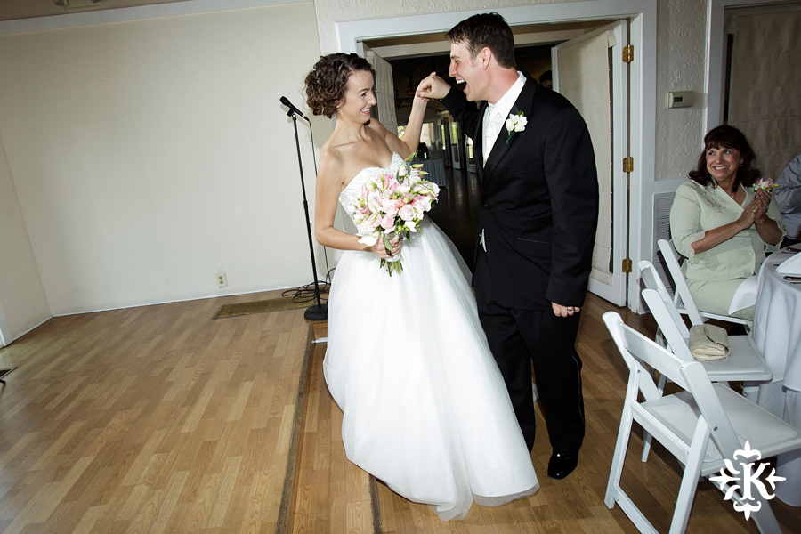 A fun wedding at Vintage Villas, Heidi and Justin, photographed by Austin wedding photographer Tony Ku (30)
