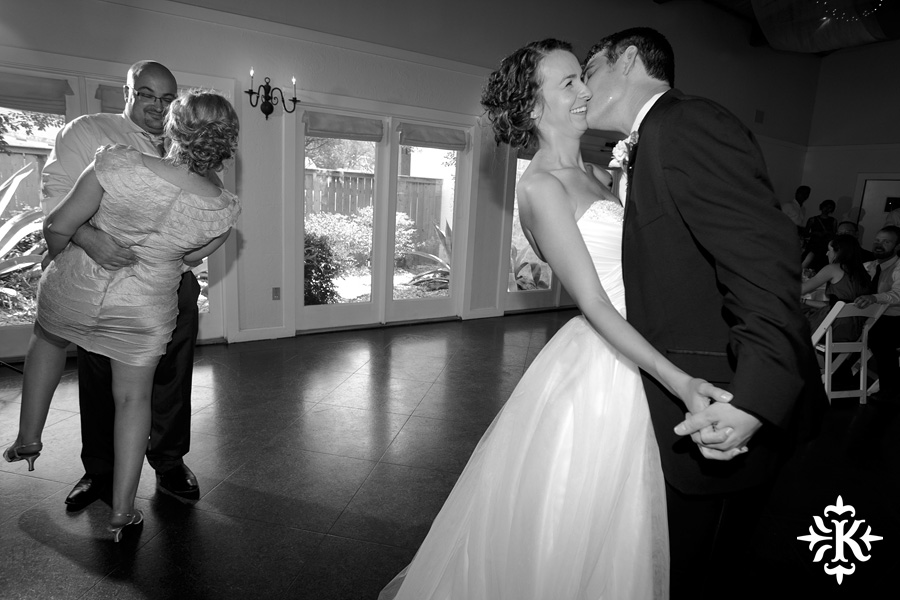 A fun wedding at Vintage Villas, Heidi and Justin, photographed by Austin wedding photographer Tony Ku (56)