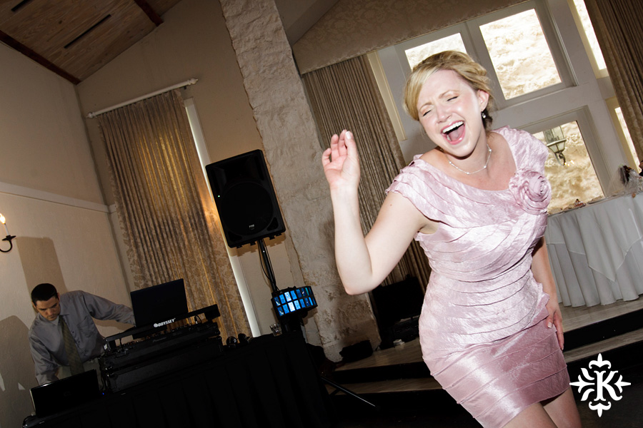 A fun wedding at Vintage Villas, Heidi and Justin, photographed by Austin wedding photographer Tony Ku (59)