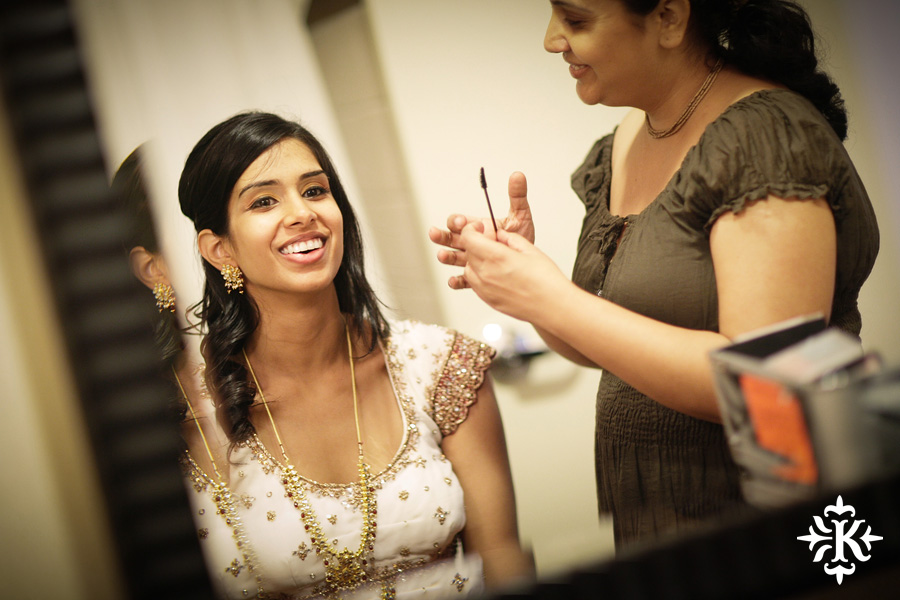 Indian wedding photos of Baraat and Ceremony at the Hilton Hotel photographed by Austin wedding photographer Tony Ku (4)