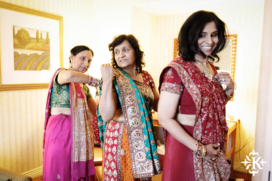 Indian wedding photos of Baraat and Ceremony at the Hilton Hotel photographed by Austin wedding photographer Tony Ku (5)
