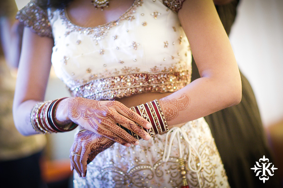 Indian wedding photos of Baraat and Ceremony at the Hilton Hotel photographed by Austin wedding photographer Tony Ku (6)