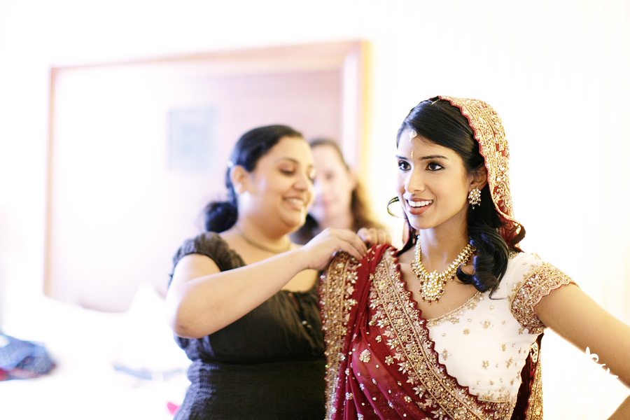 Indian wedding photos of Baraat and Ceremony at the Hilton Hotel photographed by Austin wedding photographer Tony Ku (8)