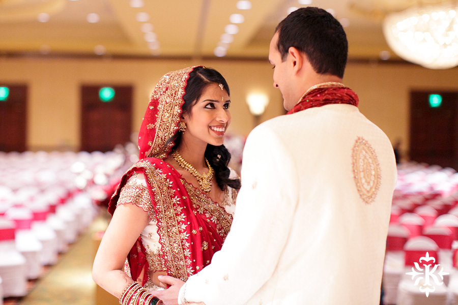 Indian wedding photos of Baraat and Ceremony at the Hilton Hotel photographed by Austin wedding photographer Tony Ku (14)