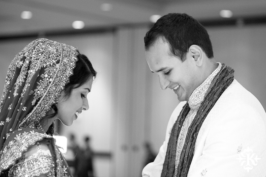 Indian wedding photos of Baraat and Ceremony at the Hilton Hotel photographed by Austin wedding photographer Tony Ku (15)