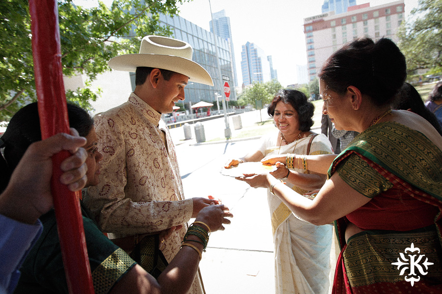 Indian wedding photos of Baraat and Ceremony at the Hilton Hotel photographed by Austin wedding photographer Tony Ku (22)