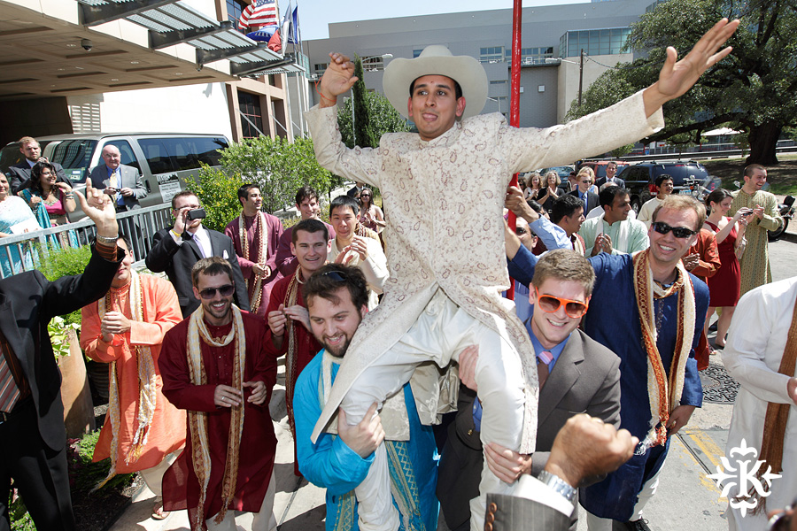 Indian wedding photos of Baraat and Ceremony at the Hilton Hotel photographed by Austin wedding photographer Tony Ku (28)