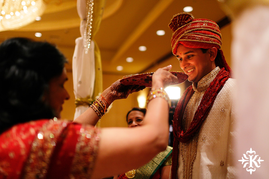Indian wedding photos of Baraat and Ceremony at the Hilton Hotel photographed by Austin wedding photographer Tony Ku (36)