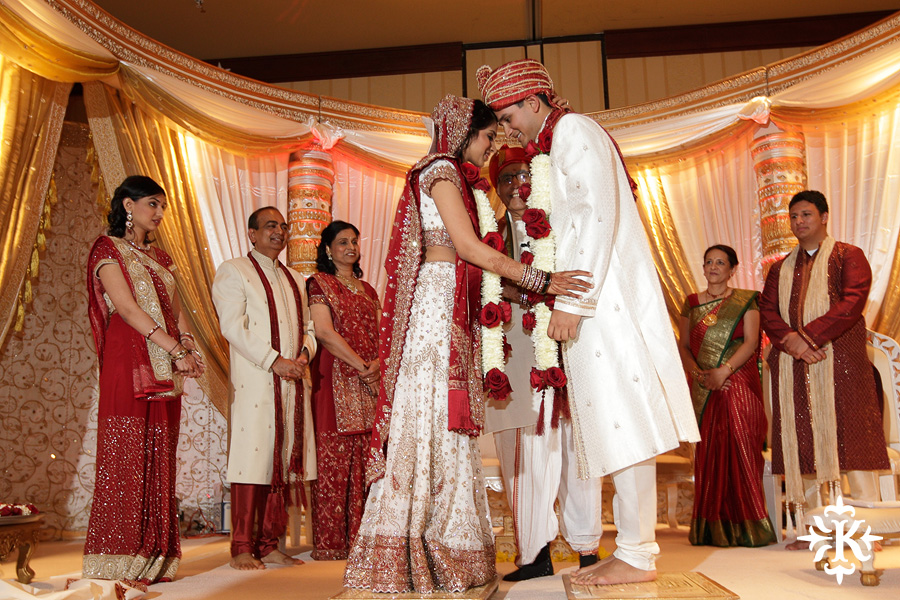 Indian wedding photos of Baraat and Ceremony at the Hilton Hotel photographed by Austin wedding photographer Tony Ku (48)