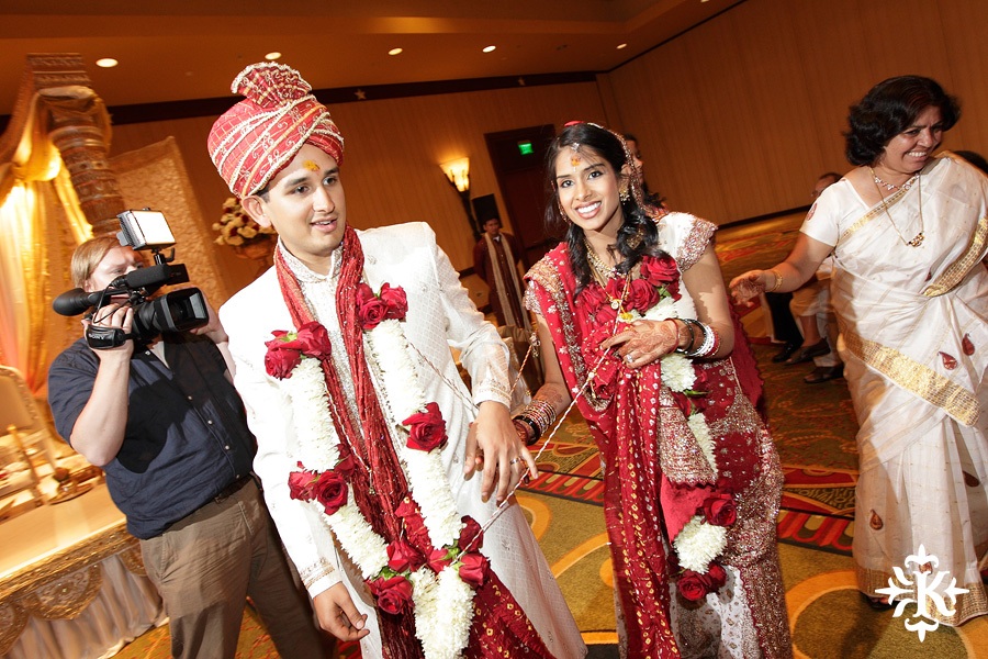 Indian wedding photos of Baraat and Ceremony at the Hilton Hotel photographed by Austin wedding photographer Tony Ku (67)