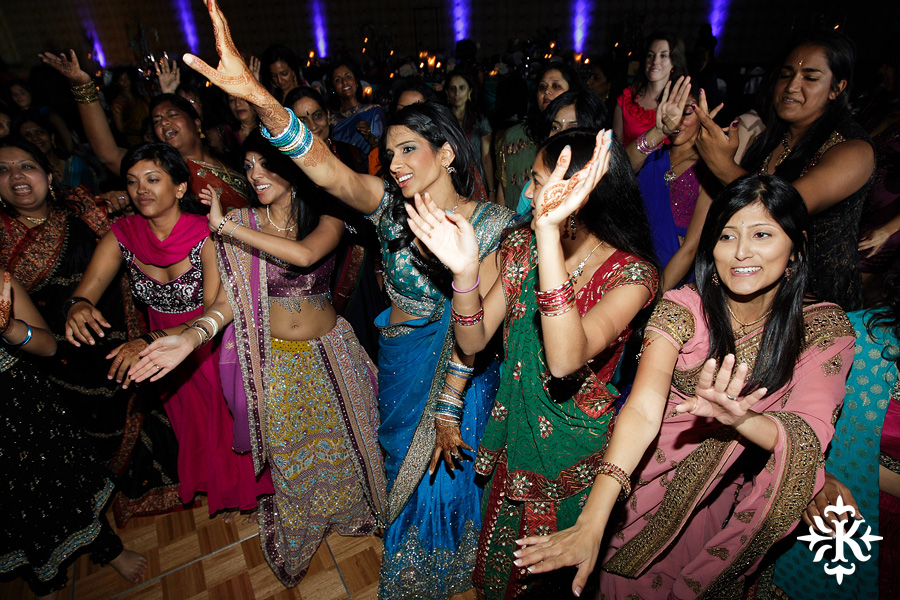 Austin wedding photographer Tony Ku photographs an Indian wedding reception in downtown Hilton Hotel, Austin, Texas. (35)