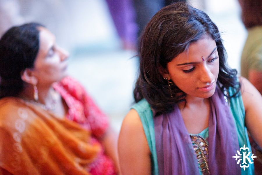 Austin wedding photographer Tony Ku captures moments at a menhdi hindu wedding ceremony (4)
