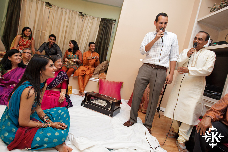 Austin wedding photographer Tony Ku captures moments at a menhdi hindu wedding ceremony (9)