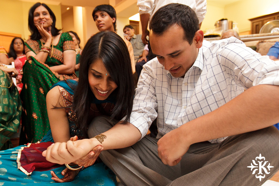Austin wedding photographer Tony Ku captures moments at a menhdi hindu wedding ceremony (11)