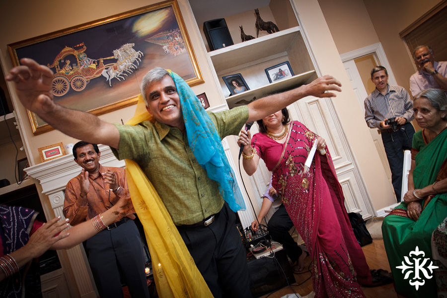 Austin wedding photographer Tony Ku captures moments at a menhdi hindu wedding ceremony (15)