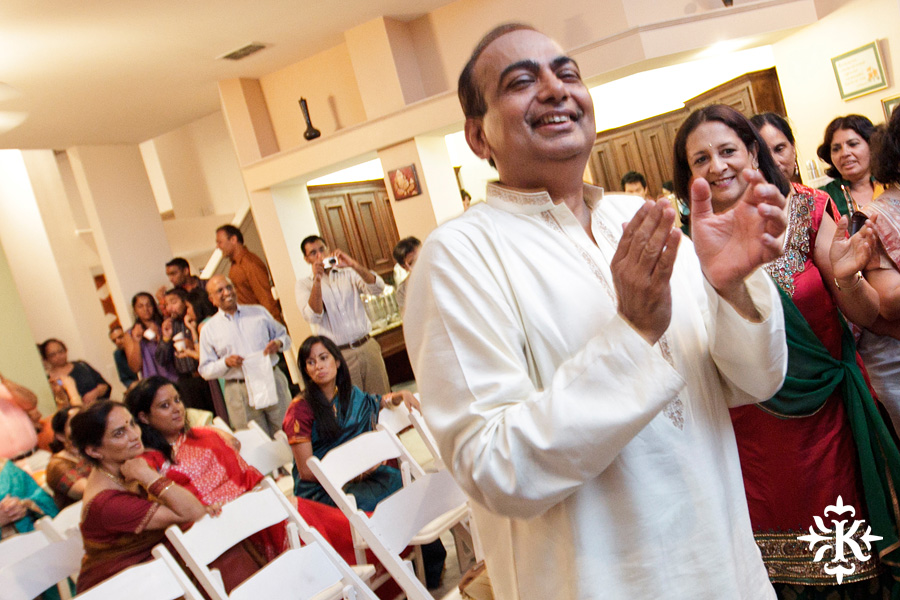 Austin wedding photographer Tony Ku captures moments at a menhdi hindu wedding ceremony (20)