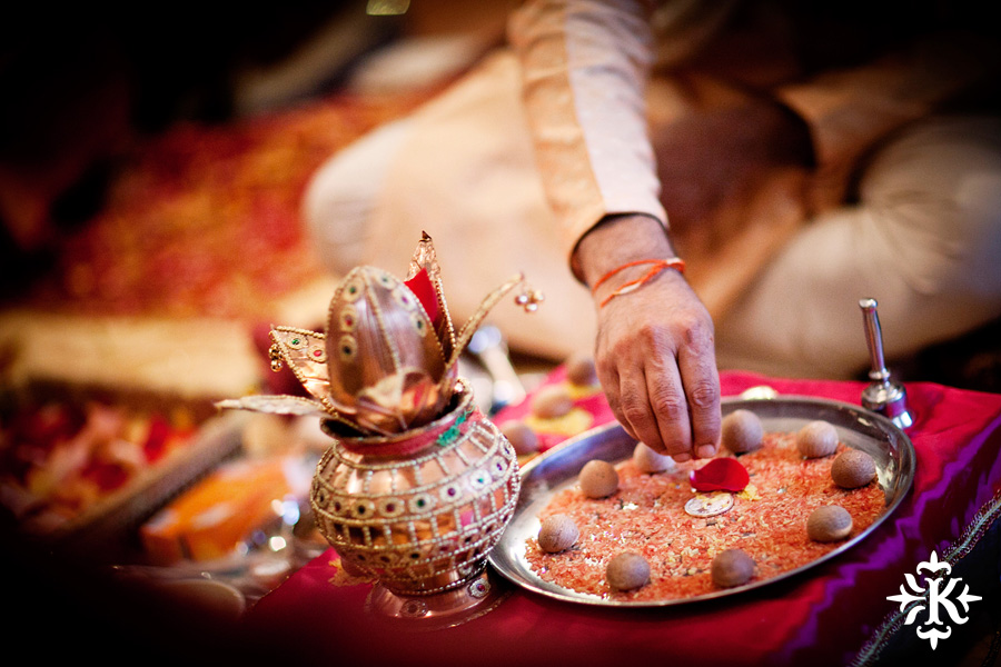 Austin wedding photographer Tony Ku captures moments at a menhdi hindu wedding ceremony (27)