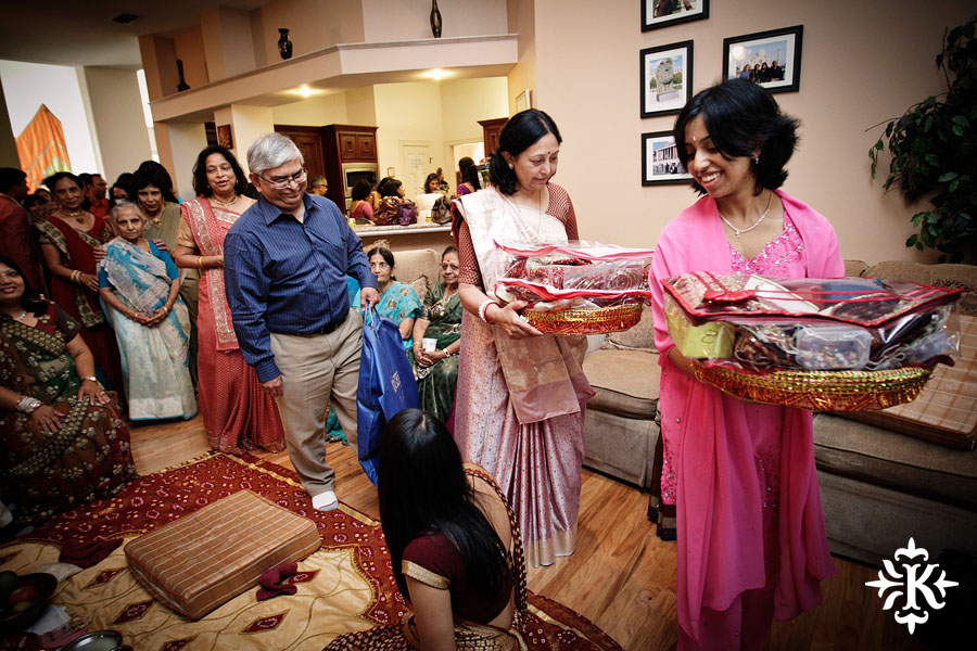 Austin wedding photographer Tony Ku captures moments at a menhdi hindu wedding ceremony (32)