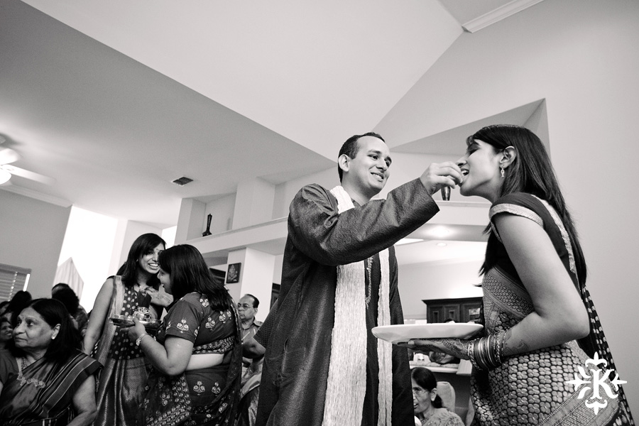 Austin wedding photographer Tony Ku captures moments at a menhdi hindu wedding ceremony (36)