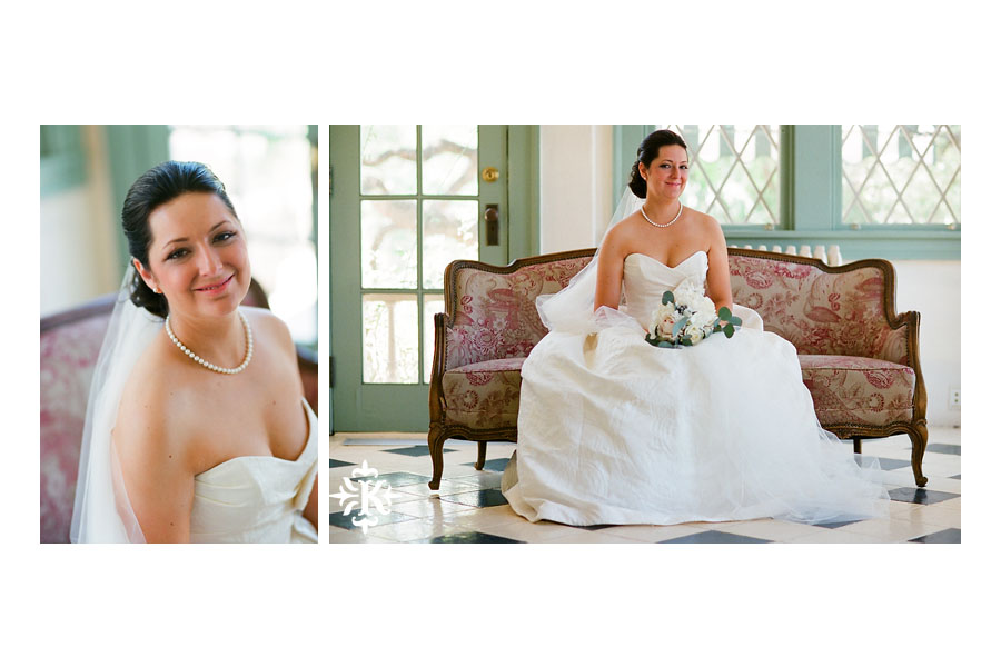 Bridal photography at hte Laguna Gloria in Austin, Texas photographed by Austin wedding photographer Tony Ku (1)