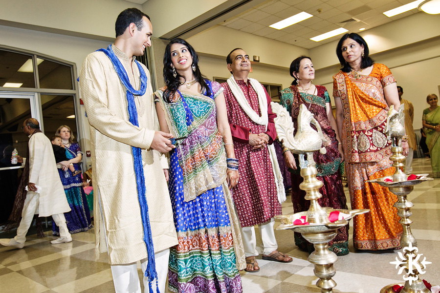 Garba Raas at the Lakeway Activity Center in an Indian wedding photographed by Austin wedding photographer Tony Ku (5)