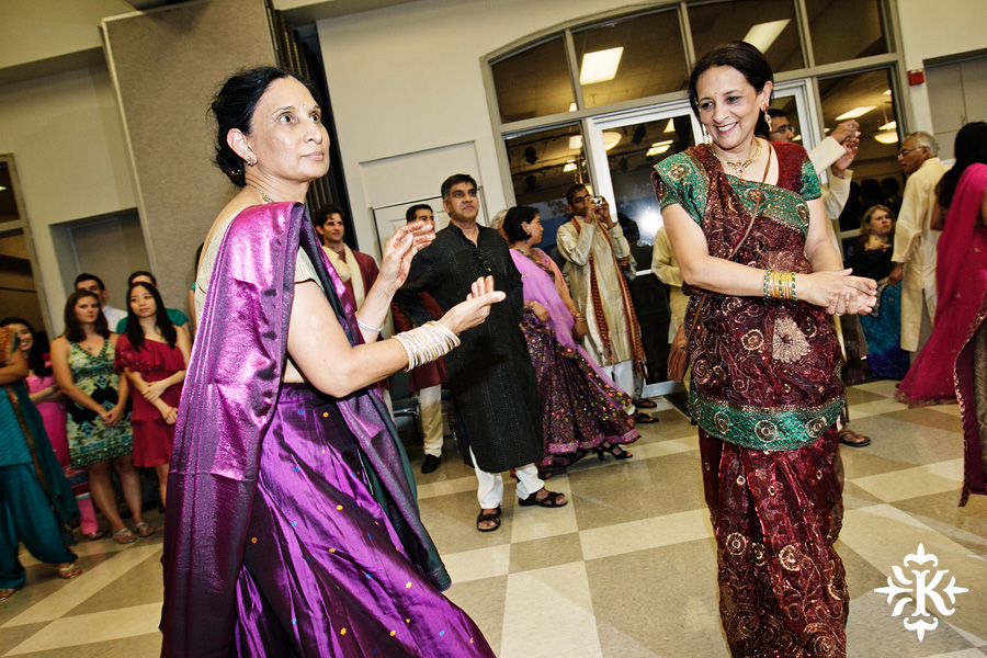 Garba Raas at the Lakeway Activity Center in an Indian wedding photographed by Austin wedding photographer Tony Ku (7)