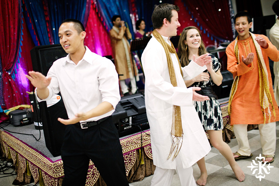 Garba Raas at the Lakeway Activity Center in an Indian wedding photographed by Austin wedding photographer Tony Ku (9)