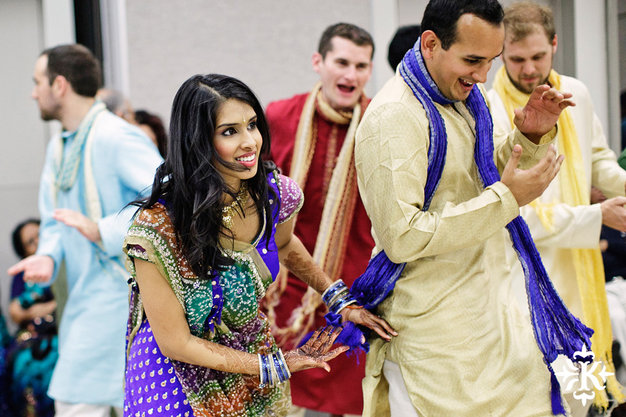 Garba Raas at the Lakeway Activity Center in an Indian wedding photographed by Austin wedding photographer Tony Ku (12)