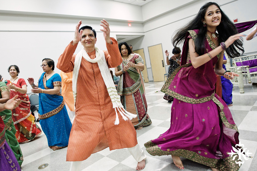 Garba Raas at the Lakeway Activity Center in an Indian wedding photographed by Austin wedding photographer Tony Ku (13)