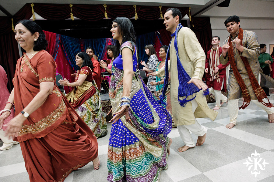 Garba Raas at the Lakeway Activity Center in an Indian wedding photographed by Austin wedding photographer Tony Ku (14)