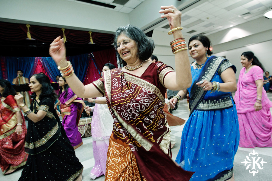 Garba Raas at the Lakeway Activity Center in an Indian wedding photographed by Austin wedding photographer Tony Ku (16)