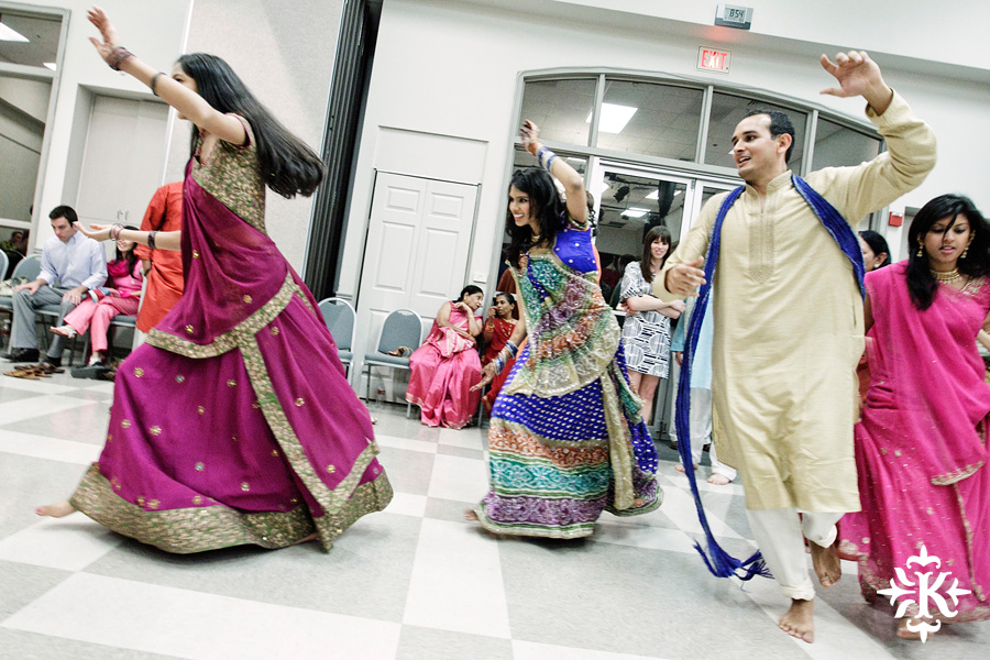 Garba Raas at the Lakeway Activity Center in an Indian wedding photographed by Austin wedding photographer Tony Ku (18)