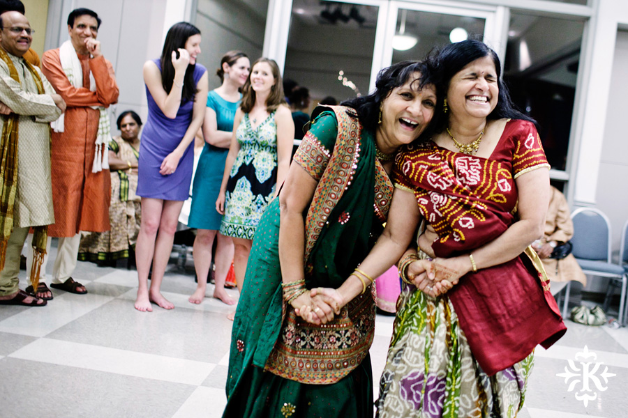 Garba Raas at the Lakeway Activity Center in an Indian wedding photographed by Austin wedding photographer Tony Ku (22)
