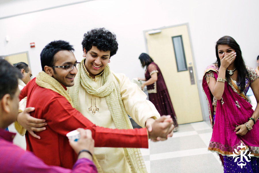 Garba Raas at the Lakeway Activity Center in an Indian wedding photographed by Austin wedding photographer Tony Ku (23)
