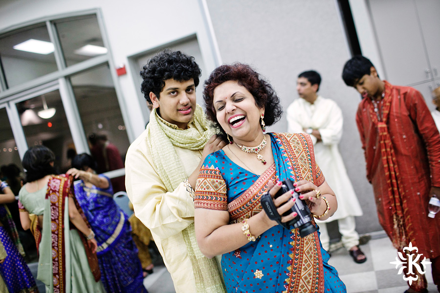 Garba Raas at the Lakeway Activity Center in an Indian wedding photographed by Austin wedding photographer Tony Ku (24)