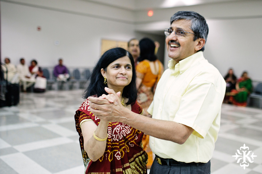Garba Raas at the Lakeway Activity Center in an Indian wedding photographed by Austin wedding photographer Tony Ku (25)