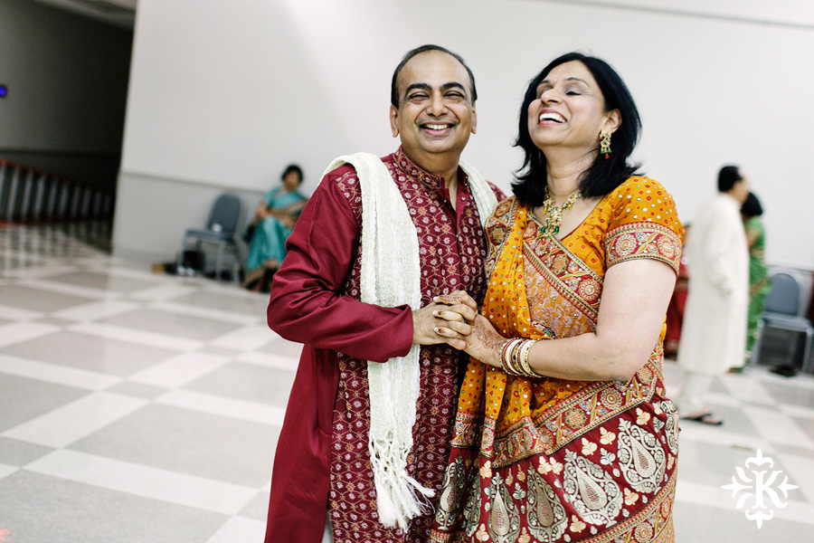Garba Raas at the Lakeway Activity Center in an Indian wedding photographed by Austin wedding photographer Tony Ku (26)