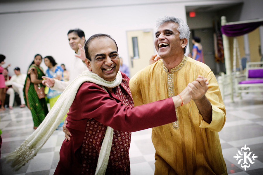 Garba Raas at the Lakeway Activity Center in an Indian wedding photographed by Austin wedding photographer Tony Ku (27)