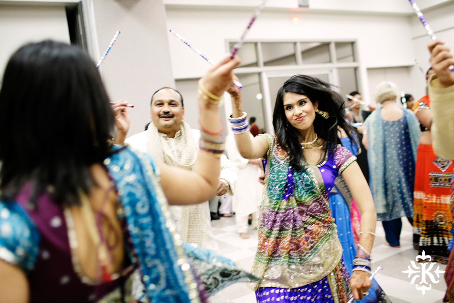 Garba Raas at the Lakeway Activity Center in an Indian wedding photographed by Austin wedding photographer Tony Ku (28)