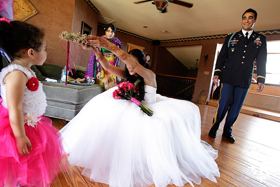 A wedding at Memory Lane event center in Dripping Springs Texas photographed by Austin wedding photographer, Tony Ku (15)